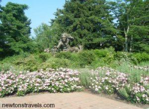 Chicago Botanic Garden flower statue