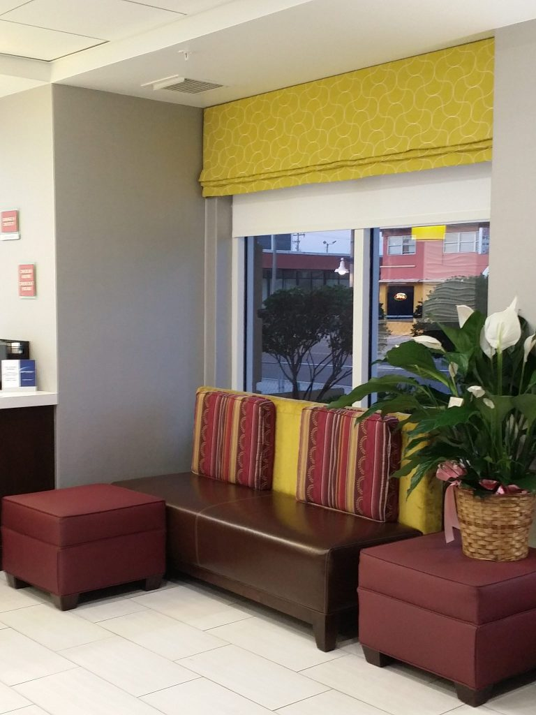 Daytona Inn Seabreeze Front Desk Seating Area