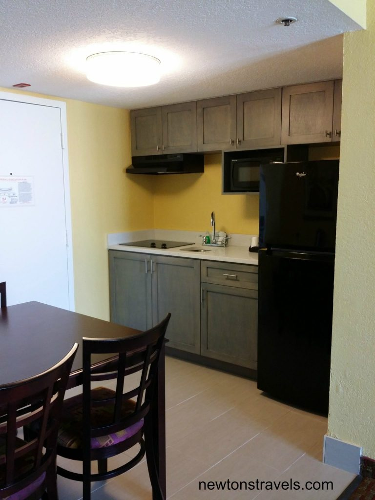 Daytona Inn Seabreeze Kitchenette