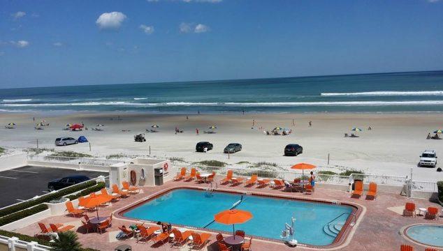 Daytona Inn Seabreeze pool beach view